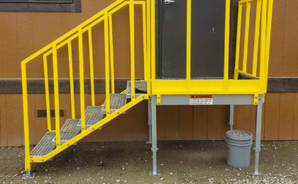 Portable 5 step left access stair unit, OSHA compliant