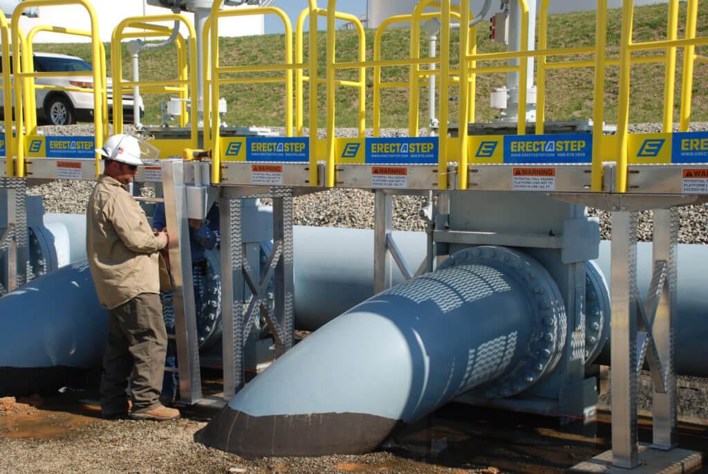 ErectaStep Work Platform for Colonial Pipeline