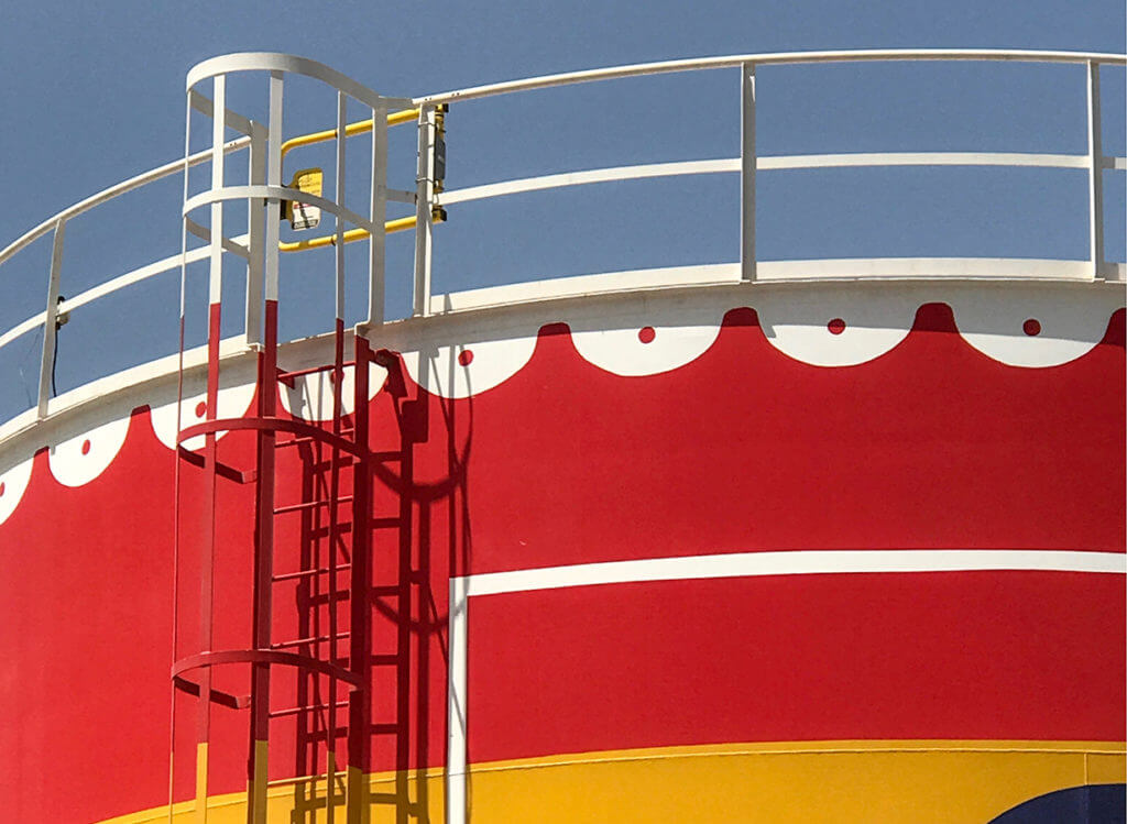 Metal Ladder mounted YellowGate for oil industry storage tank