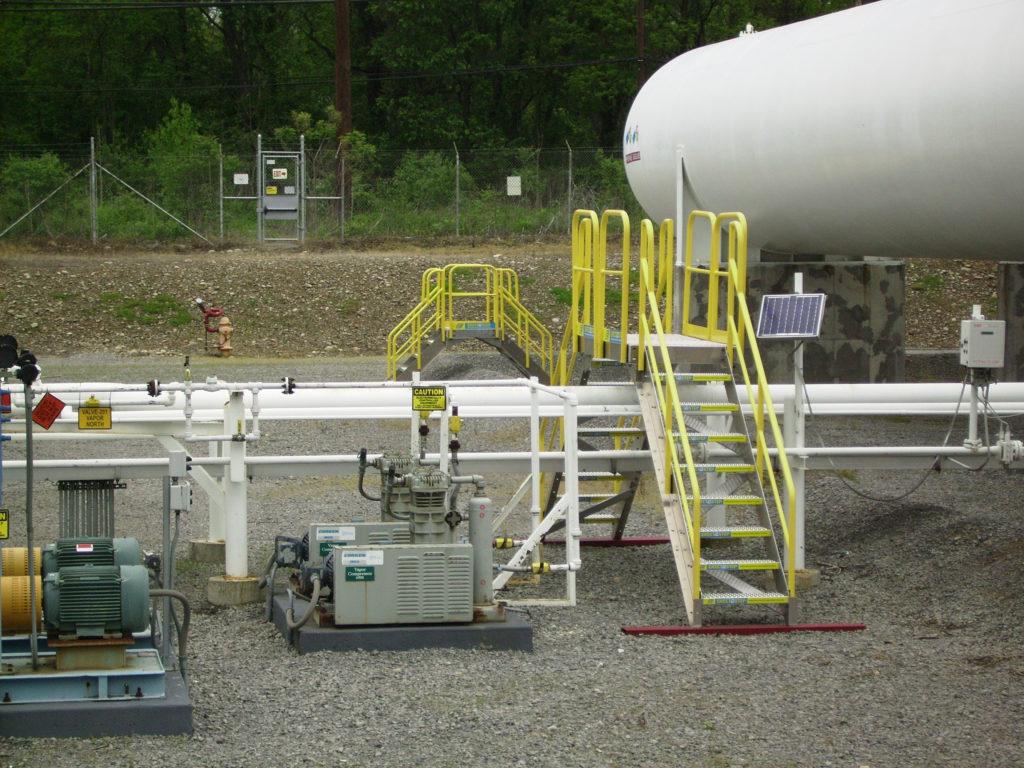 Erectastep crossover industrial pipelines