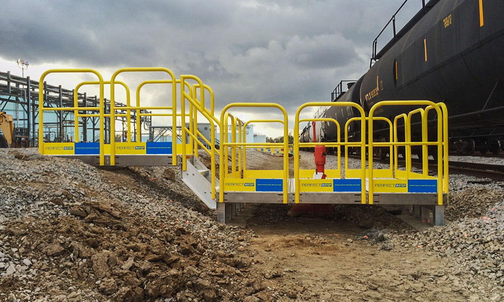 Erectastep railcar pipe access platform
